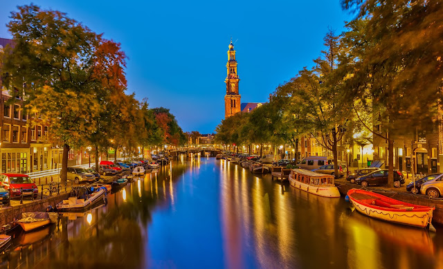 ve may bay di Amsterdam ha lan