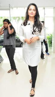 Anushka latest photos at rudramadevi movie press meet