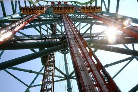 Zumanjaro : Menara Jatuhan Tertinggi Di Dunia!