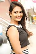 Neha Deshpande Glamorous look-thumbnail-11