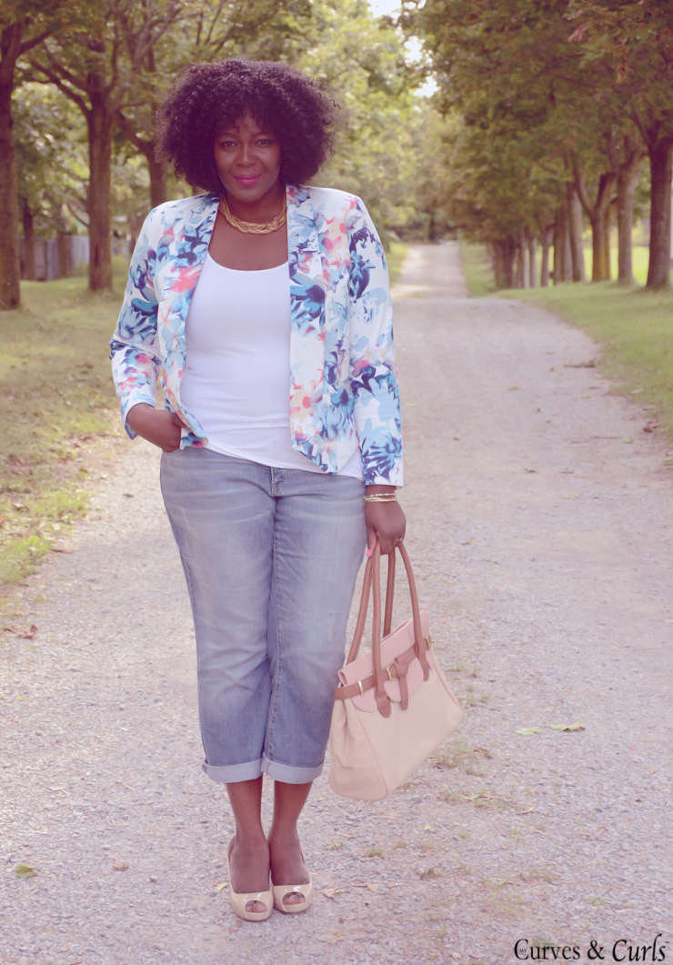 Plus size fashion inspiration: floral blazer how to wear