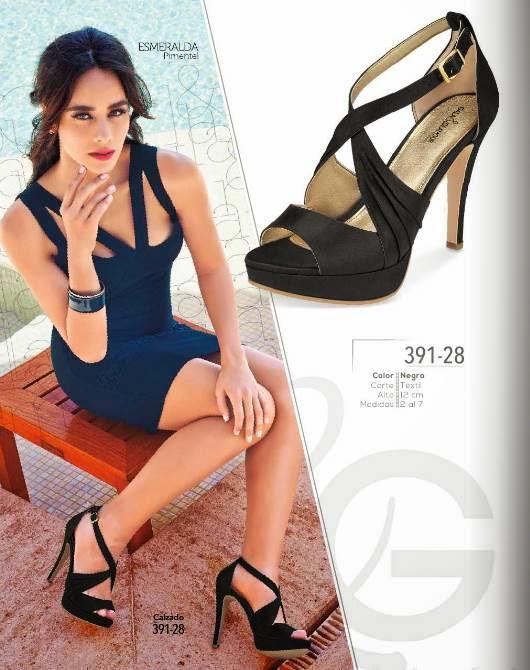 Zapatos negros PV 2015 Cklass