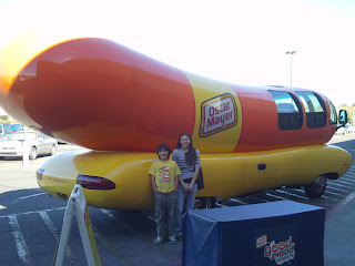 3 together with Oscar Meyer Weiner Mobile moreover Fun Stuff likewise Royalty Free Stock Photos Oscar Mayer Wiener Mobile Image20079428 likewise Daily Fun Facts Wienermobiles. on dog oscar meyer weiner car
