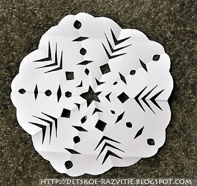 как сделать снежинку из бумаги с 5 лучами