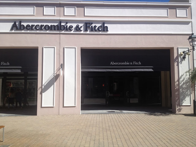 Abercrombie Hollister Sicilia Outlet Village