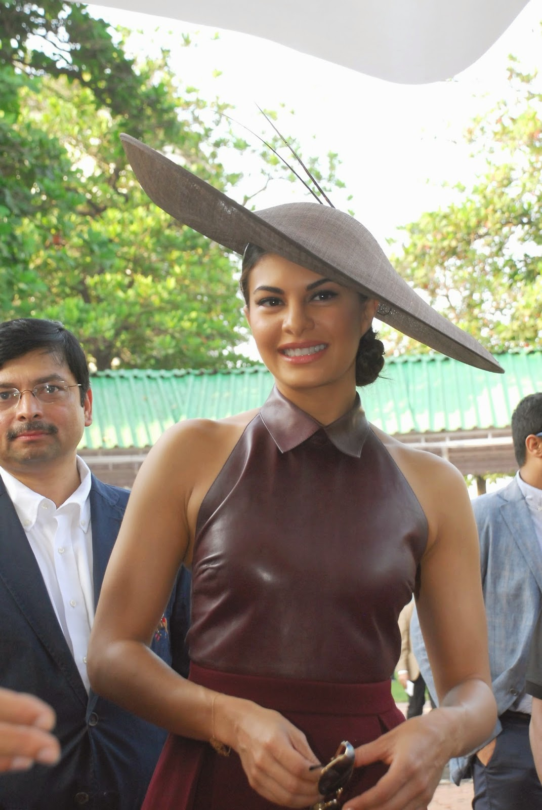 Jacqueline Fernandez graces Metro Motors Auto Hanger Sir H M Mehta Million trophy