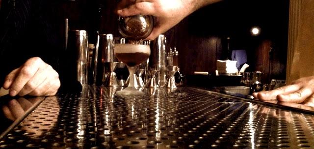 Banyak Minum Alkohol Bisa Kurangi Produksi Sperma