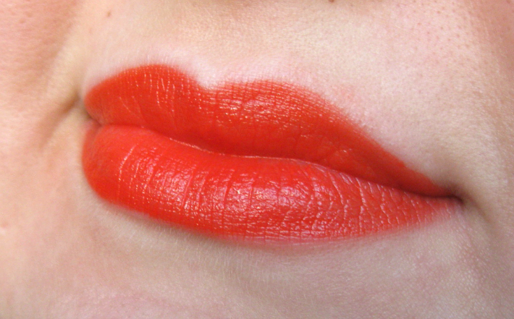RIMMEL LONDON APOCALIPS MATTE SWATCH ORANGE OLOGY 405