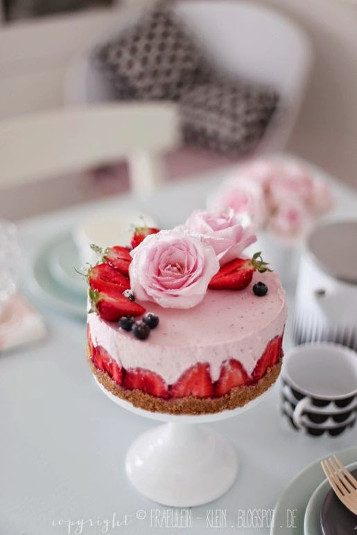 strawberry rose cheesecake