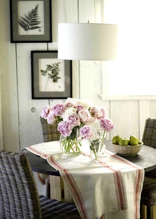 new home interior design eco friendly cottage makeover. Black Bedroom Furniture Sets. Home Design Ideas