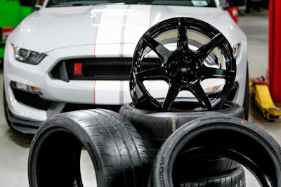Ford Makes Carbon Fiber Wheel for Shelby GT350R Mustang