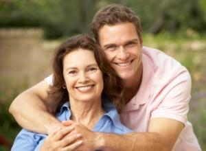 كيف تتعرفين على شخصية حبيبك من تعامله مع امه - رجل وامه والدته - man and his mother mom