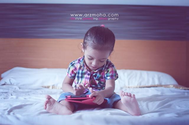 cik puteri, kids, gambar kanak-kanak cantik, kanak-kanak leka bermain, kanak-kanak dan gadjet, kids model, kids of the year,