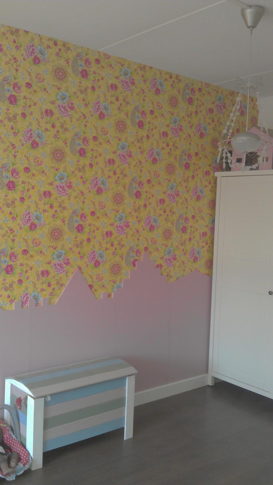 Pimpish isaira 39 s domein een vrolijke meidenkamer - Behang voor volwassen kamer ...