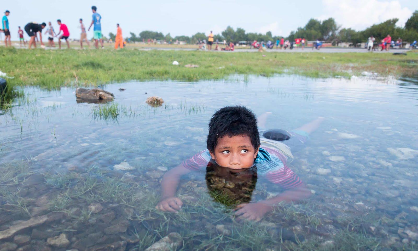 Seas rise, hope sinks: Tuvalu