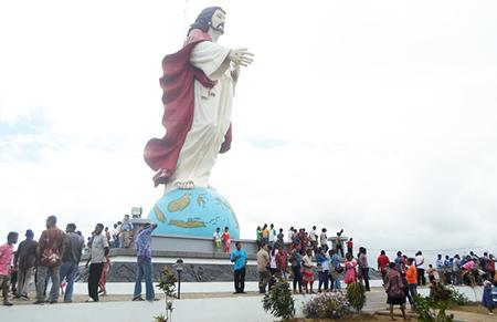 Patung Hati Kudus Yesus, Merauke