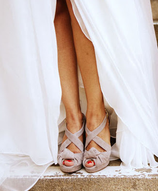 A lowcountry wedding blog featuring Charleston weddings, Hilton head weddings, myrtle beach weddings, southern weddings, wedding shoes,  Charleston wedding blogs, Hilton head wedding blogs, myrtle beach wedding blogs