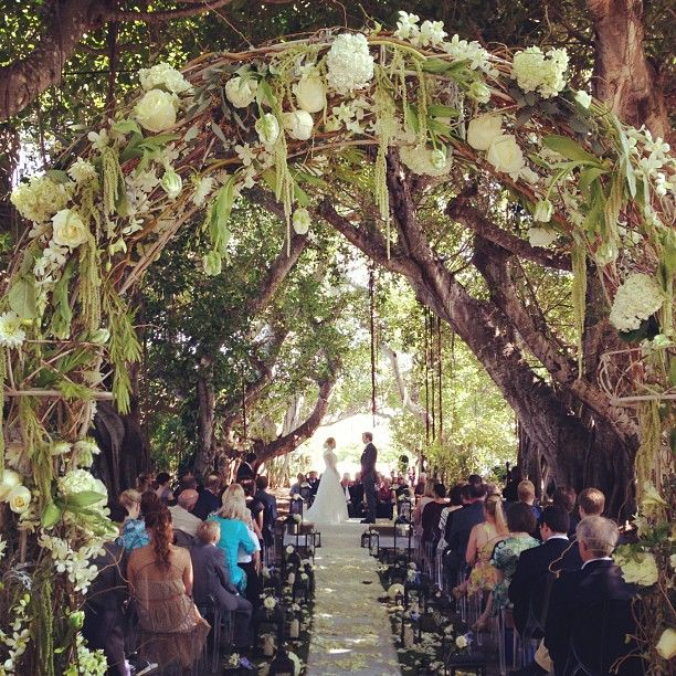 Ceremony Under A Tree: Wedding Planner Sardegna