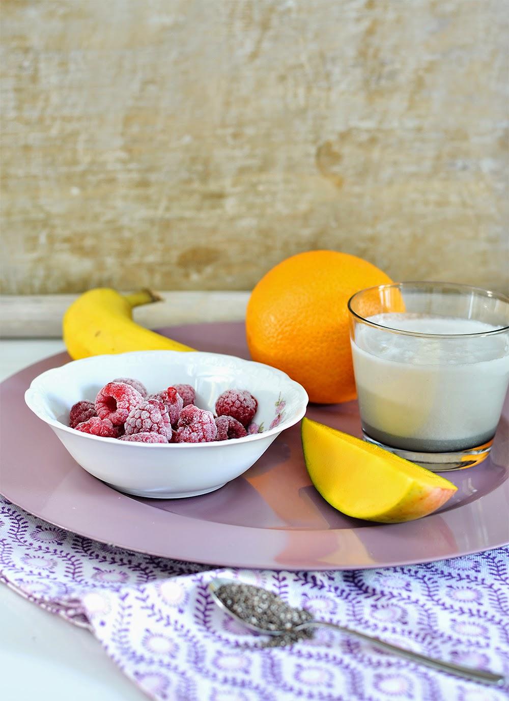 sarahs krisenherd smoothie woche mango kokosmilch smoothie. Black Bedroom Furniture Sets. Home Design Ideas