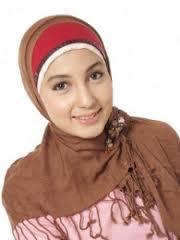 Model Memakai Jilbab Modern