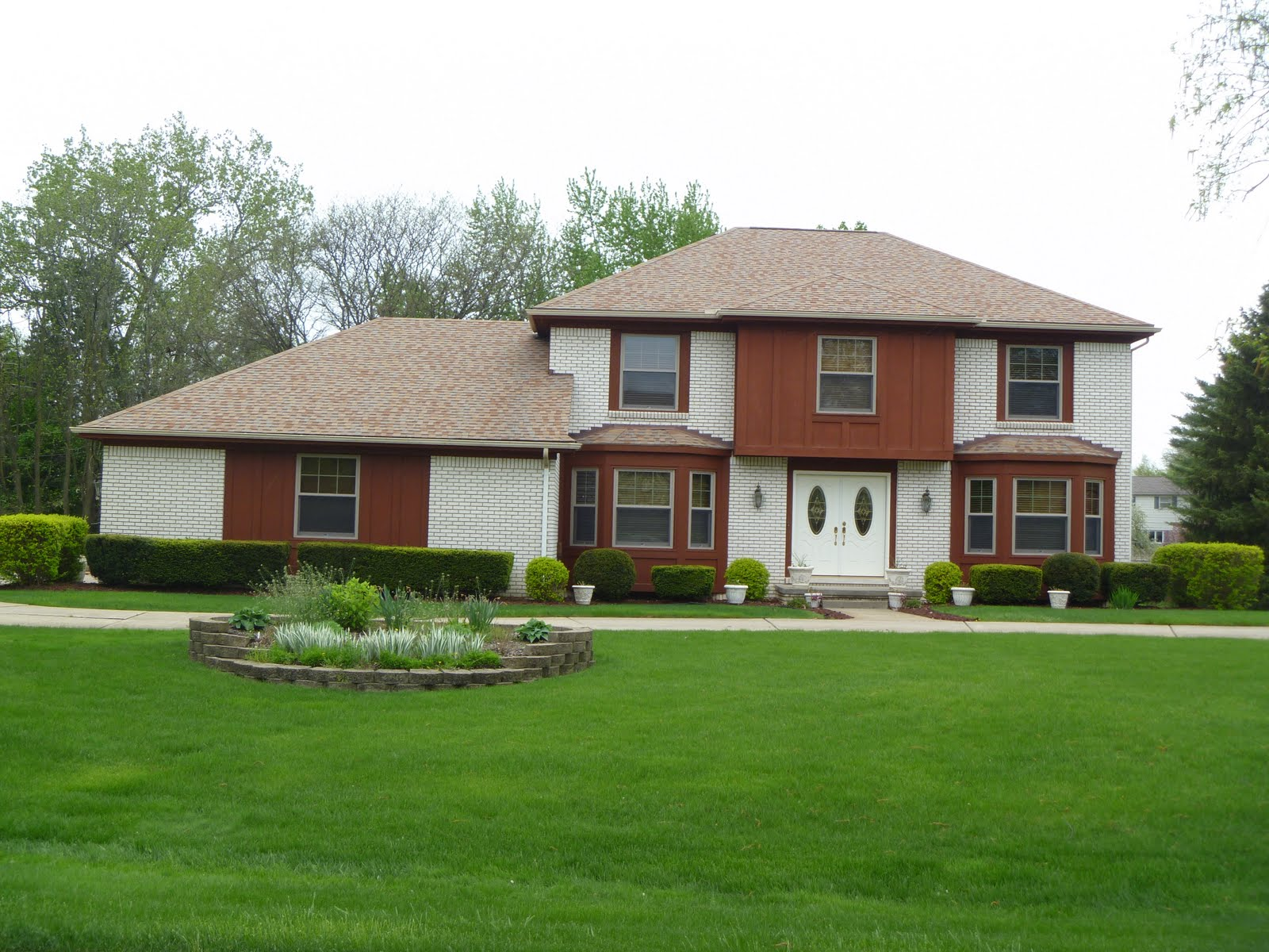 Homes for sale in farmington hills mi blog subdivision for Types of colonial homes