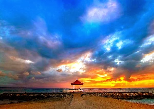 Sunrise in Sanur Beach