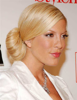 Tori Spelling Hairstyle Haircut Fashion - Female Celebrity Hairstyle Ideas