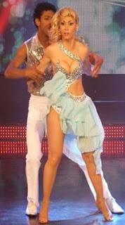 Belén Estevez y Waldir bailando Rumba en Quinta Gala de Reyes del Show
