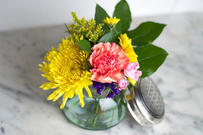 home-decor-fresh-flowers