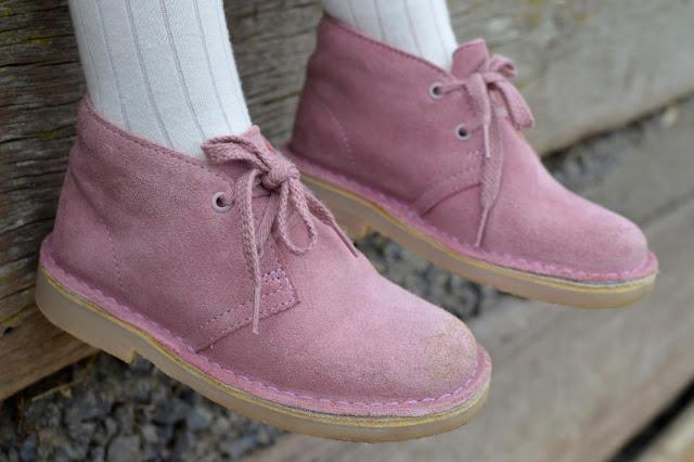 Clarks Girls Suede Desert Boots in Vintage Pink