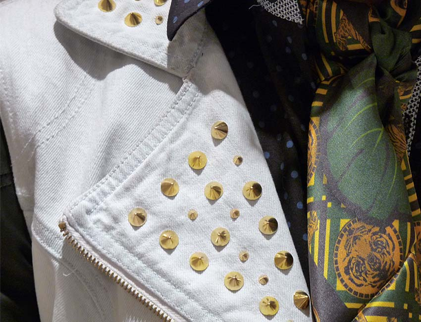 foulard-vest-denim-studs-black-leather-shirt-prints-men-clothing-moda-masculina-colombia-como-una-aparición