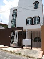 http://www.vivanuncios.com.mx/a-venta-inmuebles/tuxtla-gutierrez/se-vende-casa-3-niveles-fraccionamiento-malibu-zona-poniente+norte-tuxtla-gutierrez/1001059177600910358086609
