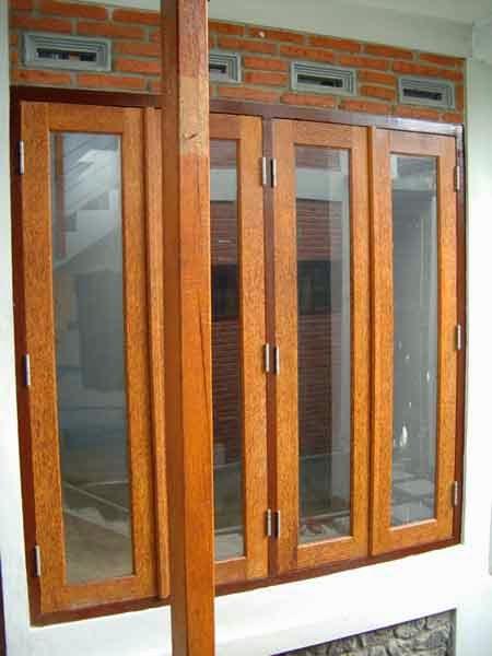 jendela rumah kayu