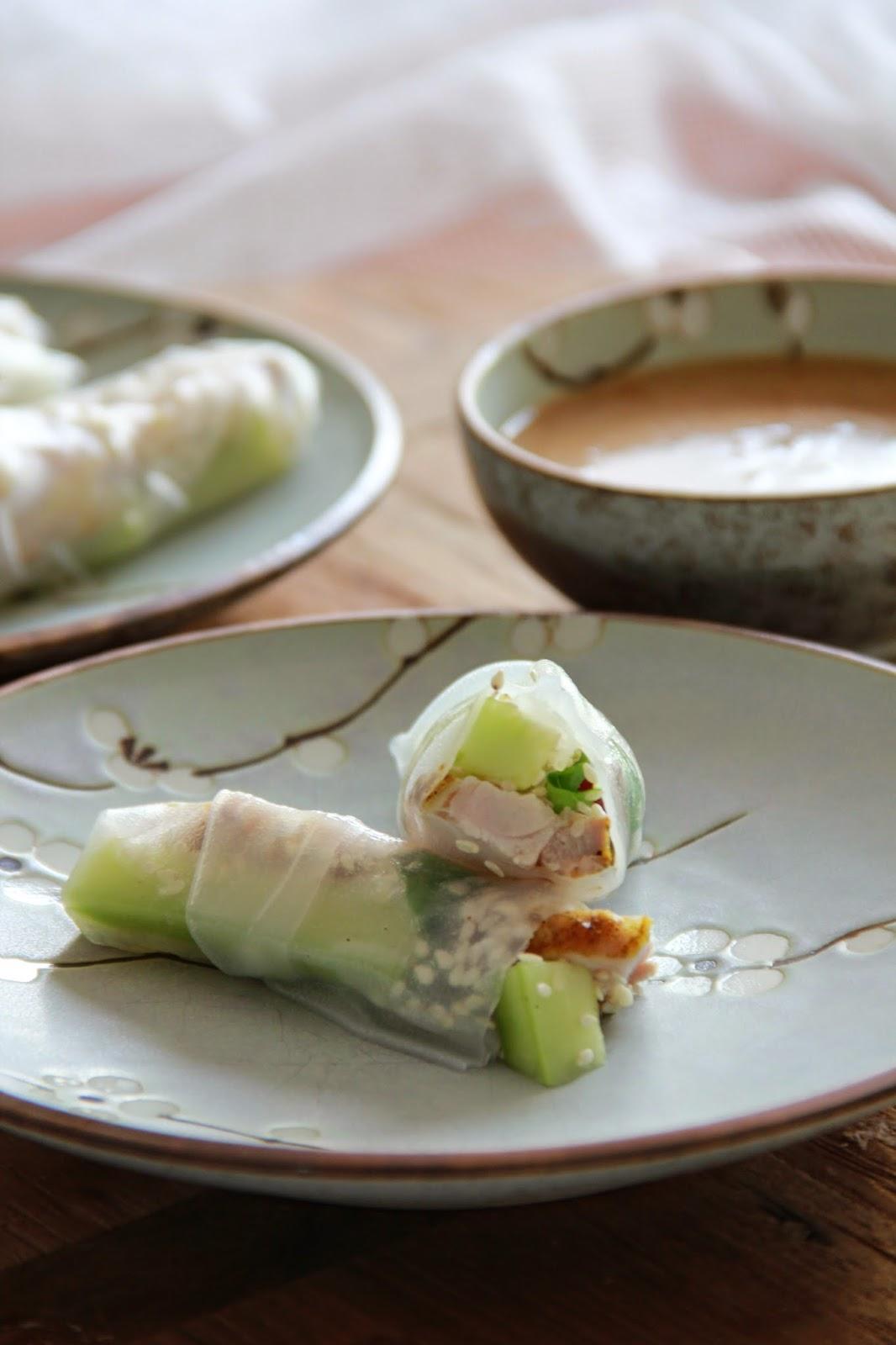 Spring rolls met knapperige kip & komkommer - www.desmaakvancecile.com