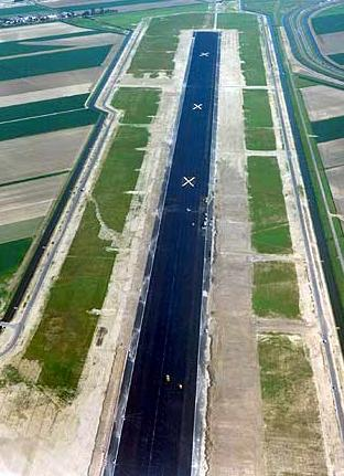 Polymer modified asphalt (PMA)as asphalt surface layers at Amsterdam Airport Schiphol