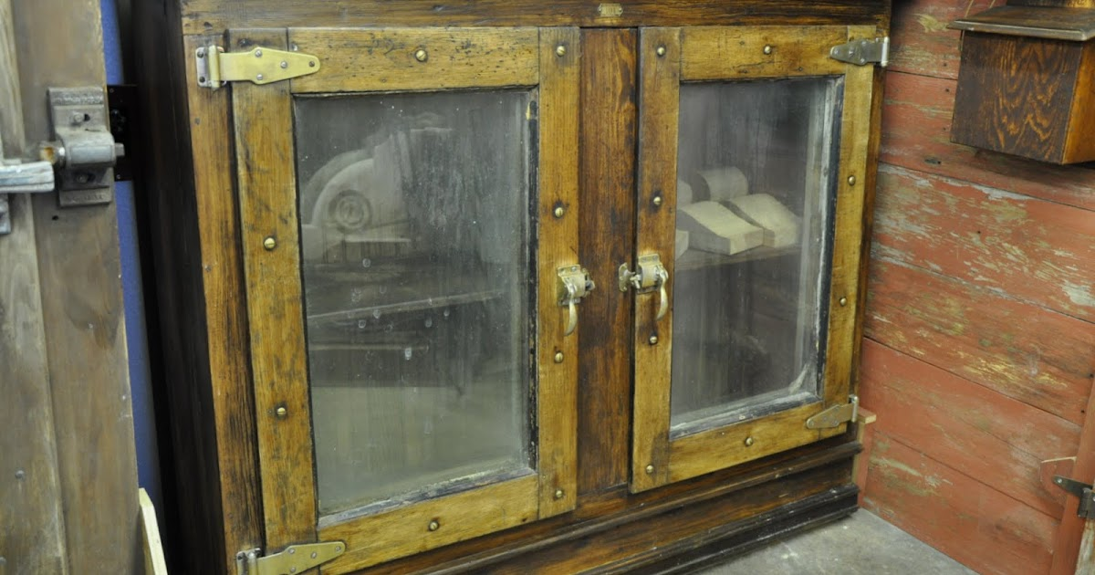 Oklahoma Barn Market Ice House Door Cabinet