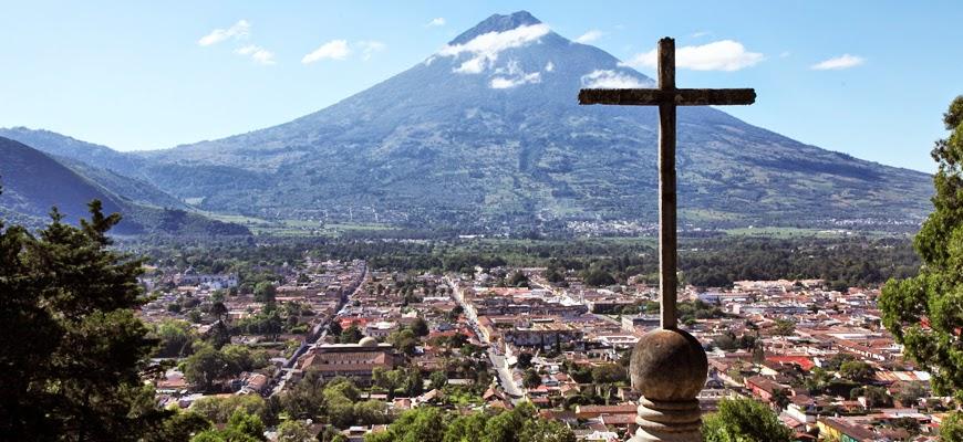 La ciudad Antigua de Guatemala desde el Cerro de la Cruz