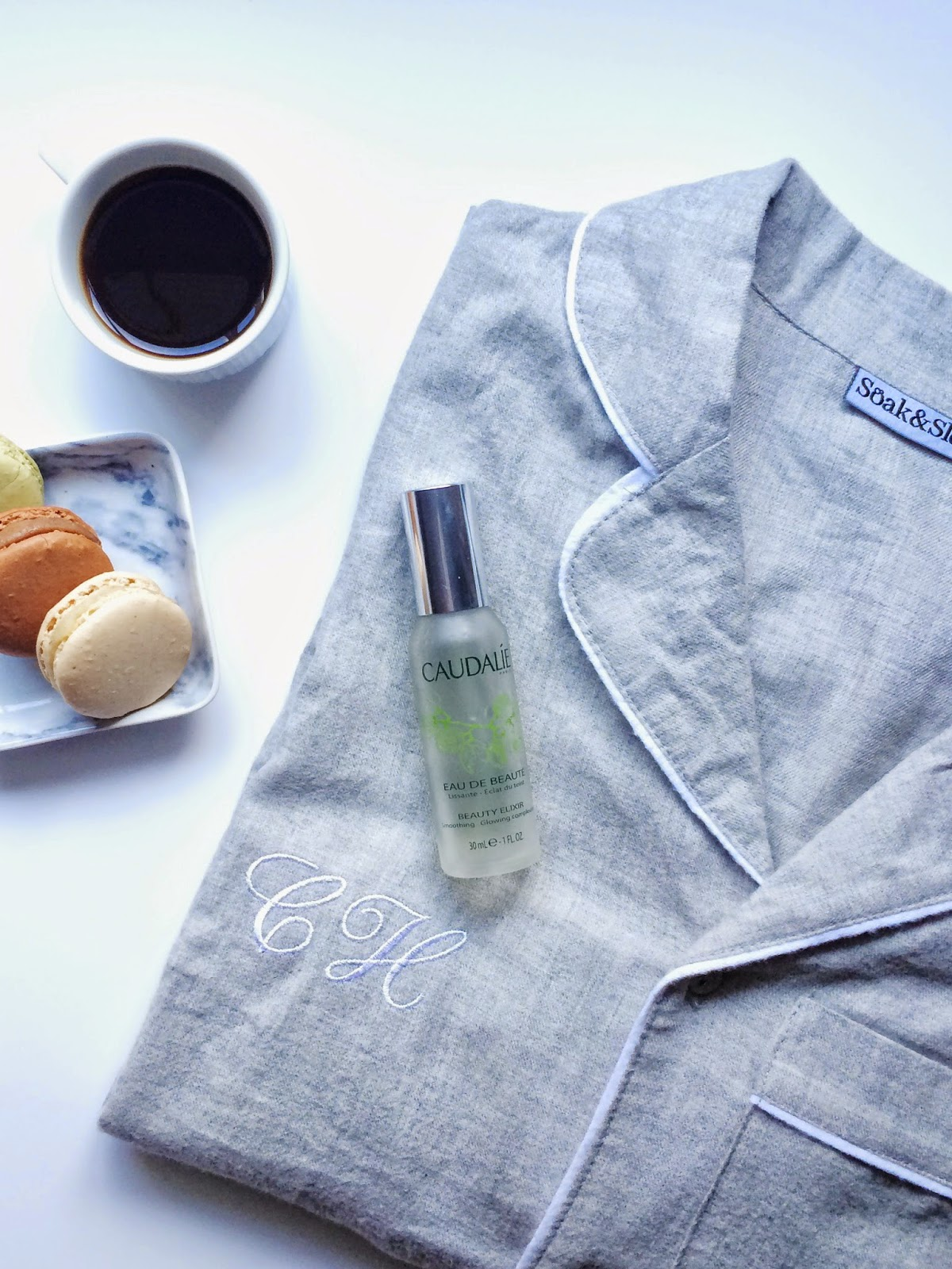 gift guide, gift guide for her, macaroons, soak and sleep pj