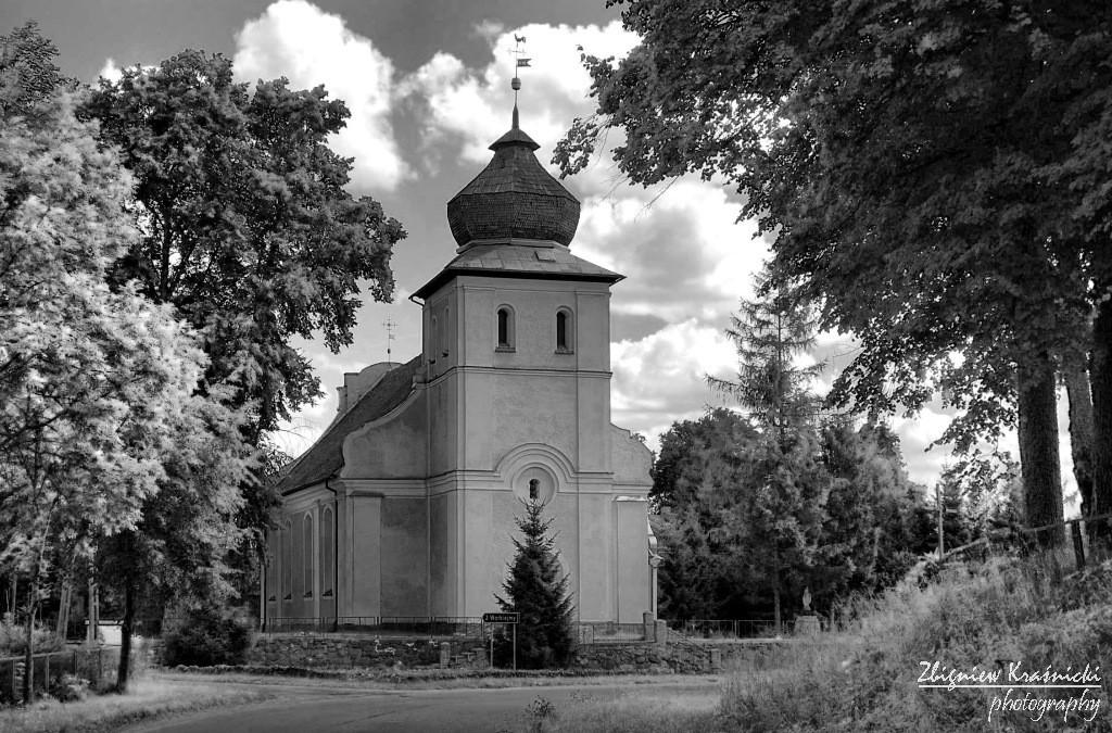 Ignalin. Kościół pw. św. Jana Ewangelisty i Matki Boskiej Częstochowskiej