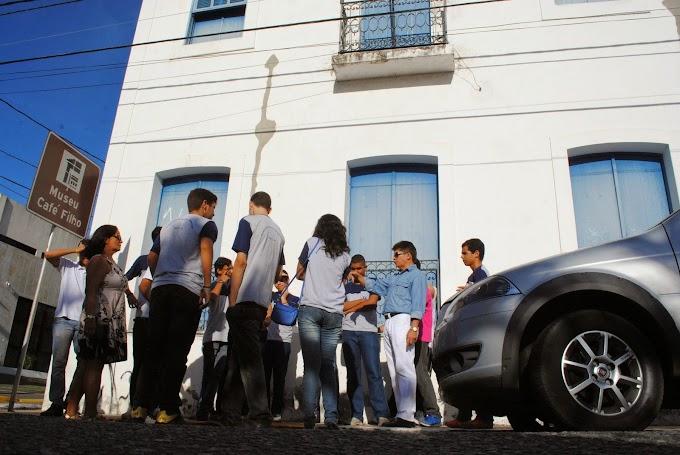 Projeto Vamos Conhecer Natal faz visitações de estudantes ao centro histórico