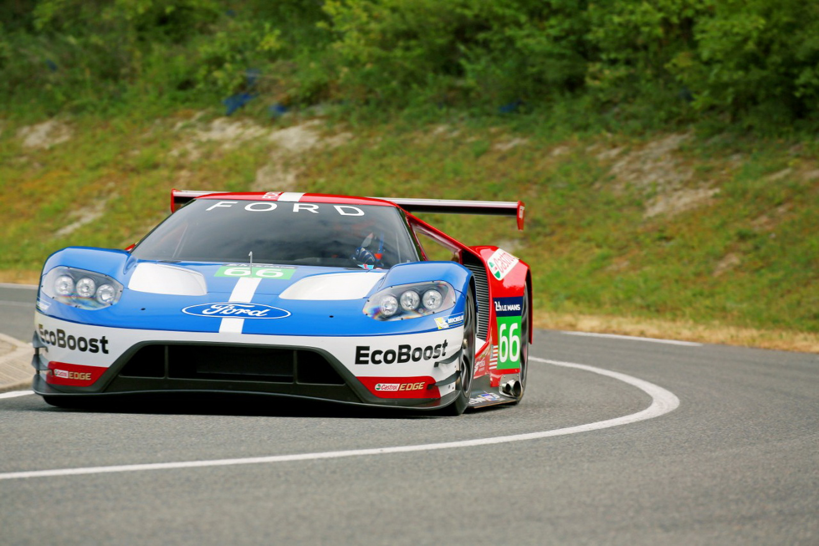 Ford Gt Racer To Debut At Of Daytona Four Cars Heading To Le