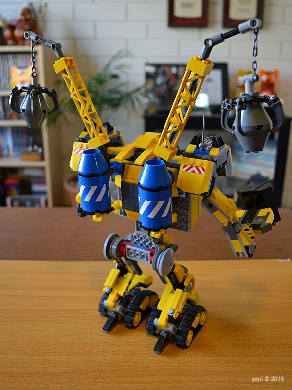 emmet's construct-o-mech - and shoulder cranes