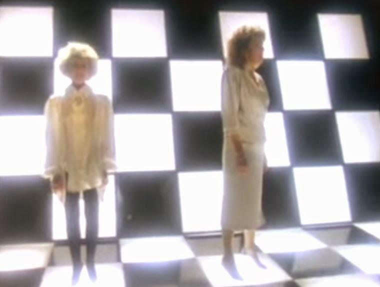 videos-musicales-de-los-80-barbara-dickson-y-elaine-paige-i-know-him-so-well