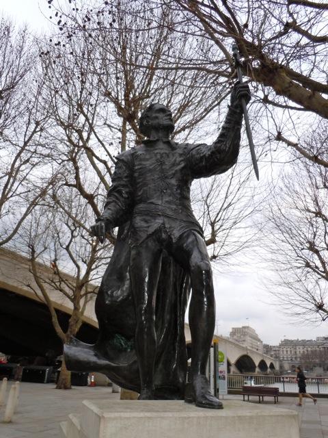 Laurence Olivier Hamlet statue
