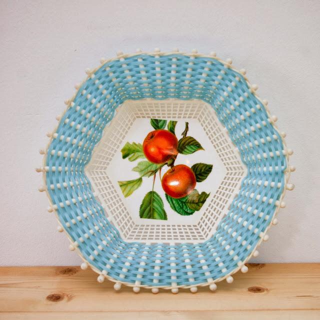 http://charletteetjuliotte.tictail.com/product/plateau-vintage-724106