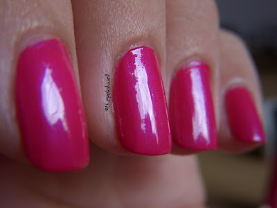 Sally Hansen Insta-Dri Flashy Fuchsia