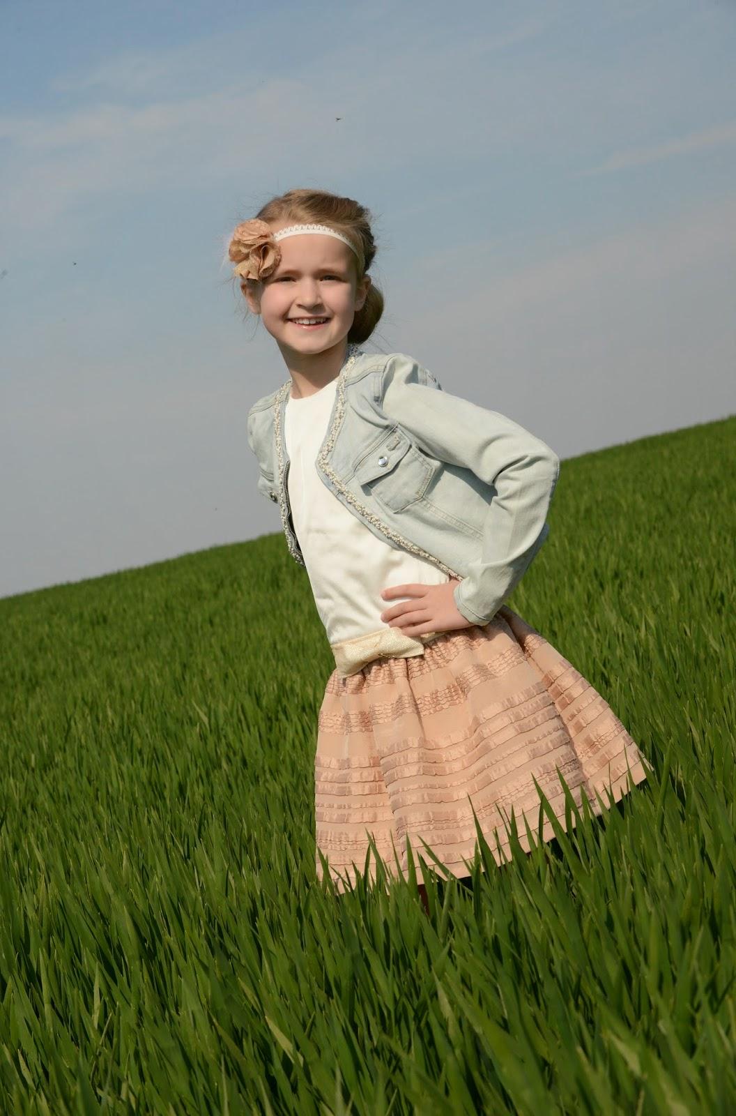 DIY communiejurk communiekleed naaien sewing SVDHZ stof voor durf het zelfers haarlint