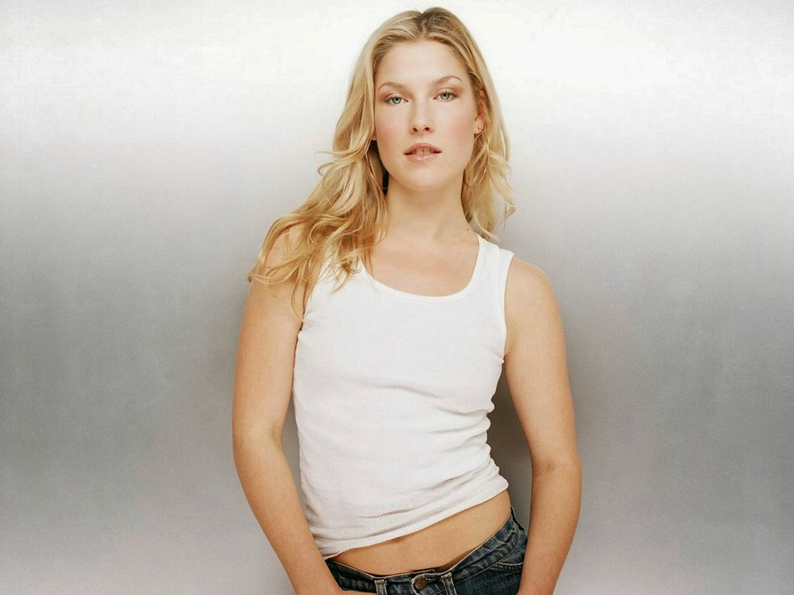 UNSEEN HOT SPICY: Ali Larter Sexy Hot Pics