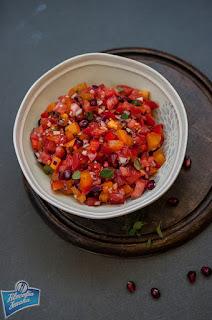 Sałatka z pomidorami i granatem