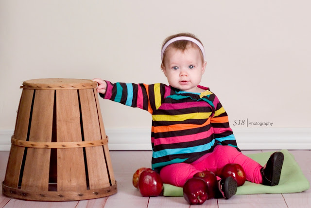 apple+2 Sydneys Fall Pictures | Marlton New Jersey Baby Photographer